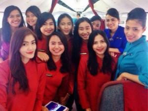 siswa sekolah menjadi pramugari photo awak kabin Garuda indonesia